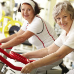 Un po' di fitness riduce i rischi legati alla pressione alta negli anziani