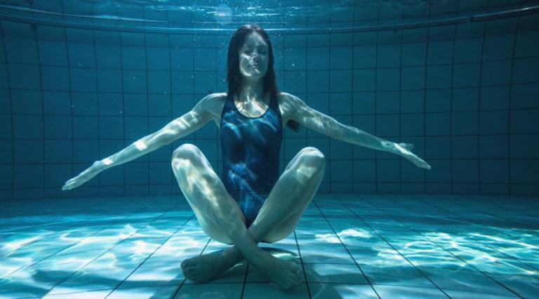Yoga in acqua: in cosa consiste